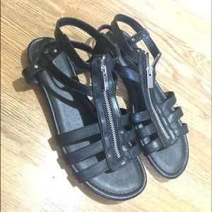 🆕EUC Merona Gladiator Zip Sandal black&silver